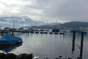 Neuer Schwimmsteg Yacht Club Luzern