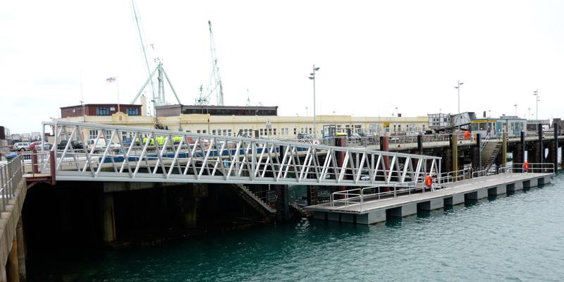 aluminium-loopbrug