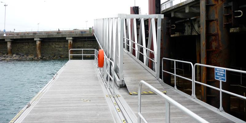aluminium-loopbruggen